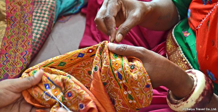 Go Around Villages Where Handicrafts Alive Gujarat Textile Tour